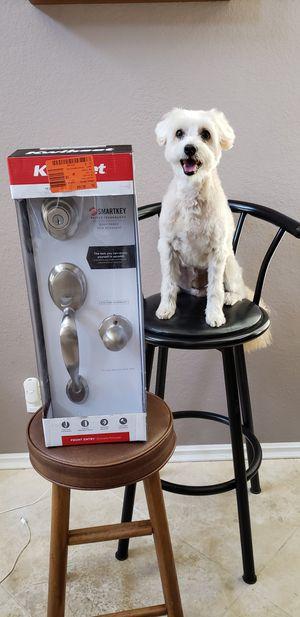 Kwikset front door handleset lock in nickel for Sale in Corona, CA