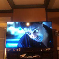 75 Inch Flatscreen Tv for Sale in Rankin,  PA