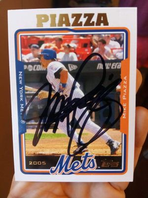 Mike Piazza Autograph Card Mint Condition for Sale in Alhambra, CA