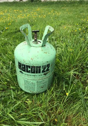 Freon tank for refrigeration for Sale in Longview, WA