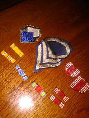 OLD US ARMY WAR RIBBONS & PATCHES for Sale in Wichita, KS