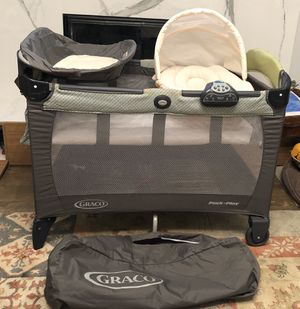 Graco Pack n Play Deluxe for Sale in San Diego, CA