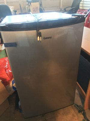 Galanz Mini Fridge - Barely Used for Sale in Irvine, CA