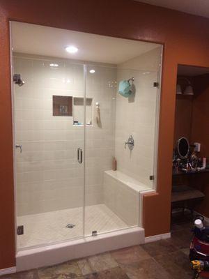 Shower door frameless for Sale in Baldwin Park, CA