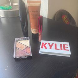 Makeup New for Sale in Oregon City,  OR