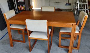 Dining Room table for sale for Sale in Orlando, FL