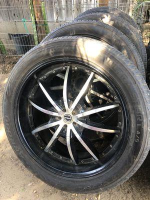Rines de chevy 305/40R22 universales de 6 hoyos para Chevy ,gmc ,Tahoe precio $500 o menos for Sale in Bakersfield, CA