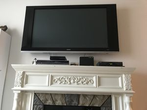 55 inch tv. 60 inch fireplace for Sale in Aurora, OH