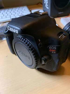 Canon T3i w lots for Sale in Davis, CA