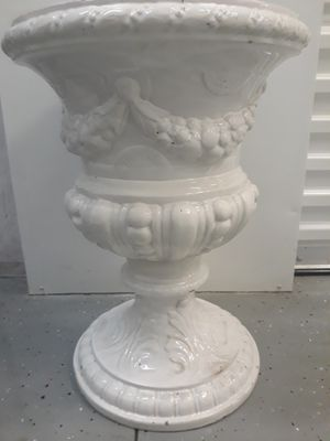Planter- VERY heavy( cast iron?) for Sale in Orlando, FL