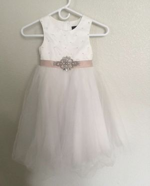 Ivory formal/flower girl dress - 5t for Sale in Las Vegas, NV