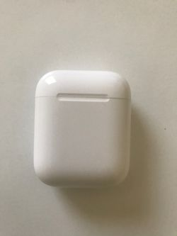 Apple AirPods (Almost New Condition) for Sale in Bowie,  MD