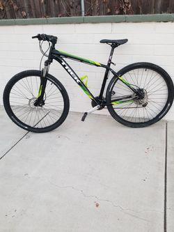 Trek 29er Mountain Bike Size Large Wheels 29er Hydraulic Disc Brakes for Sale in Pasadena,  CA