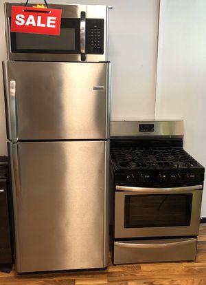 Stainless Steel Refrigerator Fridge Frigidaire Kitchen Set #1600 for Sale in Greenwood, IN