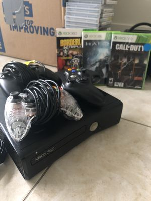 Xbox 360 w/ controllers for Sale in San Diego, CA