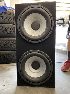 12 inch Gravity subwoofer pair and gravity amp for Sale in Modesto, CA