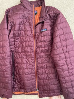 Women's xl Patagonia jacket for Sale in Sumner, WA