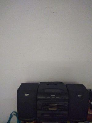 Grabadora 3 cd ydos caseteras for Sale in Baytown, TX