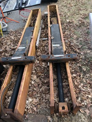 2 post challenger Lift for Sale in Easton, MA