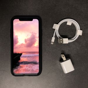 Apple iPhone XR 64GB Unlocked for Sale in Hoffman Estates, IL