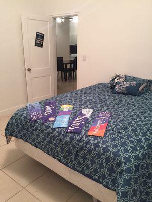 Alquilo cuarto en biscayne con la 54 piscina jacuzy y gym for Sale in Miami, FL