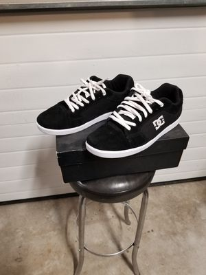 DC skate shoes for Sale in Salinas, CA