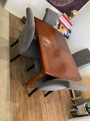 Dining room table for Sale in Placentia, CA