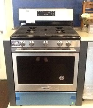 """New open box Maytag 30"""" Wide Gas Range for Sale in Downey, CA"""