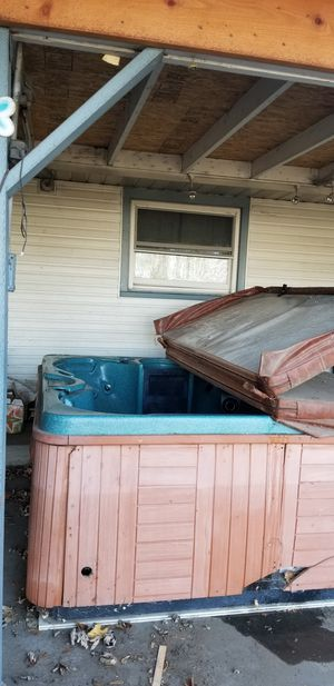 Free Hot tub for Sale in Kennewick, WA