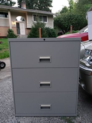 2 file cabinets for Sale in Vancouver, WA