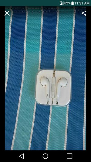 Apple Wired Earbuds for Sale in Nashville, TN