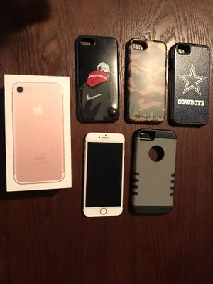 iPhone 7 w screen protector / cases and box included for Sale in Wichita, KS