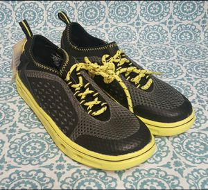 c9 Champion Boys' Ernesto Lace Up Water Shoe Sneakers, Black/Yellow Size 4 Youth for Sale in Orlando, FL