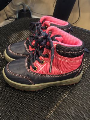 OshKosh Toddler Girls size 7 Liam2-G lace up Boots with rubber bumper for Sale in Jacksonville, FL