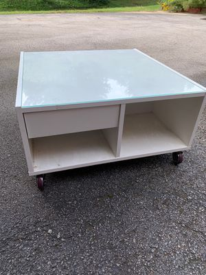 Coffee table for Sale in Franklin, TN