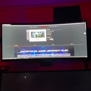 30 In Ultra Wide 200hz for Sale in Mount Pleasant, MI