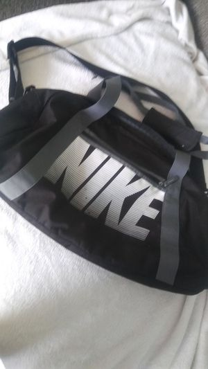 Nike duffle bag for Sale in Columbus, OH