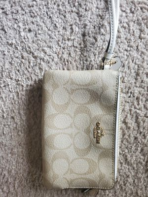 Coach wristlet for Sale in Virginia Beach, VA