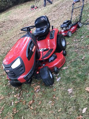Craftsman yt3000 riding mower for Sale in Germantown, MD