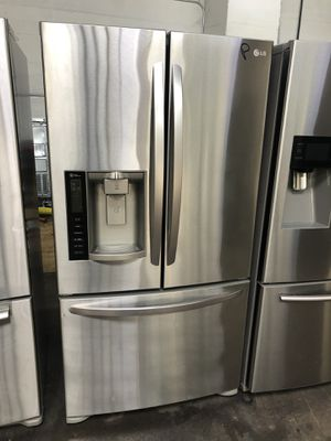 "36"" in wide LG frige like new perfec working warranty for Sale in Passaic, NJ"