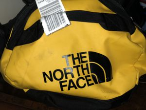 2019 Edition. North face Duffle bag. (has straps to turn into a back pack) for Sale in Gardena, CA