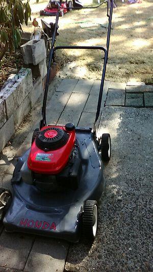 Honda lawn mower !!! for Sale in Tacoma, WA