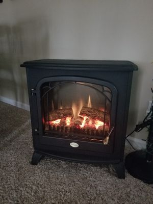 Electric fireplace heater for Sale in Peoria, IL