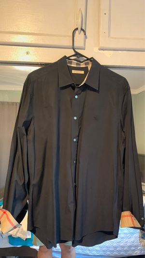 Burberry Size X-Large for Sale in Norwalk, CA