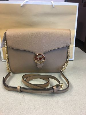 New Authentic Michael Kors Large Crossbody or Clutch for Sale in Lakewood, CA