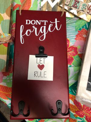 Wall Hangings- Fun key hanger, chalkboard notes, port hole mirror>> for Sale in North Las Vegas, NV