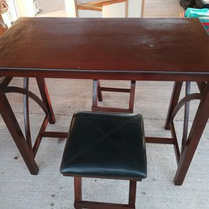 Table With 2 Stools for Sale in Buckeye, AZ