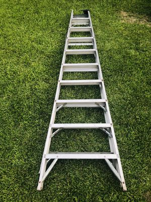 Ladder/escalera 10ft (broken plastic stand) for Sale in Houston, TX