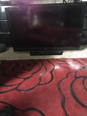 32 inch TV for Sale in Aurora, CO
