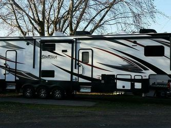 2016 SPARTAN 1234x TOY HAULER for Sale in Portland,  OR